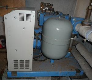 テラル AX-LAT402-51.5D 定圧式 加圧給水ポンプユニット 側面